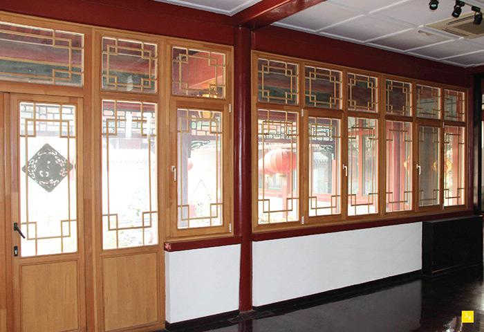 施维尔为大家介绍实木门窗的保养方式